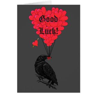 Tarjeta Suerte del cuervo gótico negro y del corazón