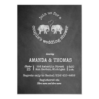Tarjeta Toneladas de ducha del boda del par de la pizarra