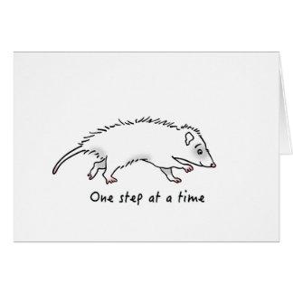 Tarjeta Un oposum del paso