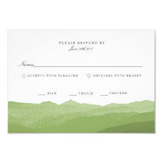 Tarjeta verde de RSVP de la montaña de la acuarela