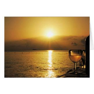 Tarjeta Vino y puesta del sol de Anitgua