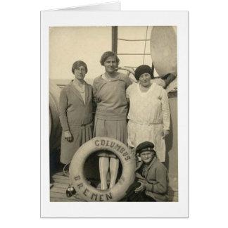 Tarjeta Vintage mujer en buen viaje del revestimiento