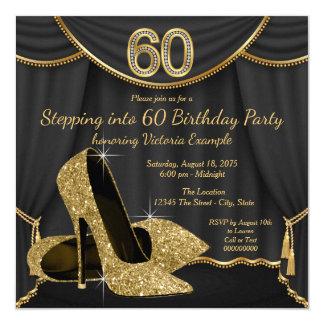 Tarjeta Zapato negro del oro que camina en fiesta de