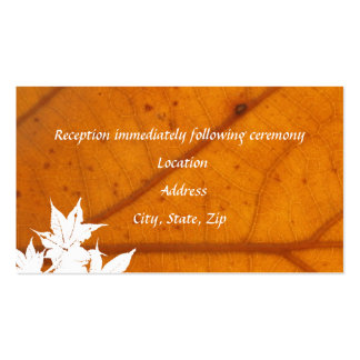 Tarjetas anaranjadas de la recepción de la hoja de tarjetas de visita