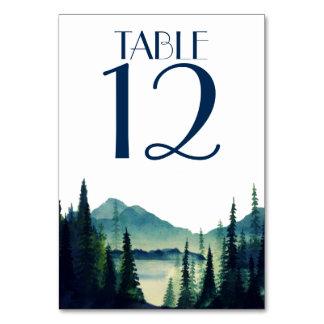 Tarjetas de la tabla del boda que acampan