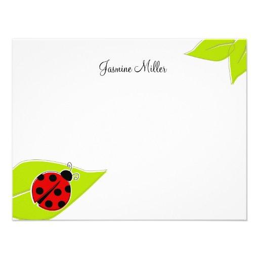 Tarjetas de nota rojas de la mariquita invitación personalizada de ...
