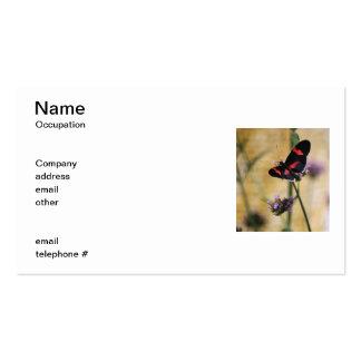 Tarjetas de visita negras y rojas de la mariposa
