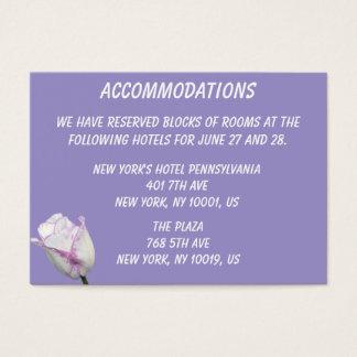 Tarjetas de visita violetas de los alojamientos