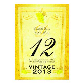 Tarjetas del número de la tabla del vino blanco invitaciones personales