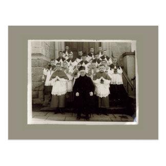 Tarjetas del vintage - sacerdote y muchachos de la