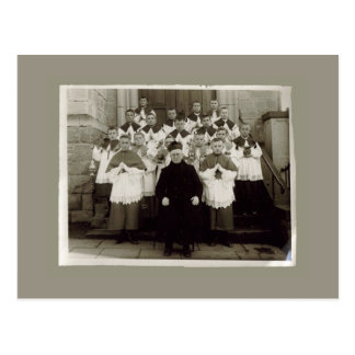 Tarjetas del vintage - sacerdote y muchachos de la postal