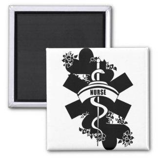 Tatuaje del corazón de la enfermera imán cuadrado