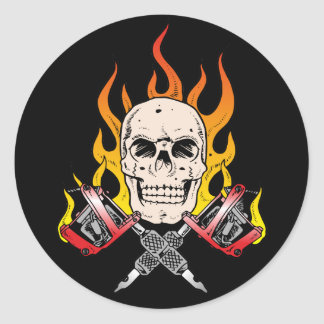 Tatuaje llameante del cráneo 318 pegatina redonda