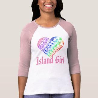 Tatuaje polinesio del corazón del arco iris del camisetas