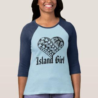 Tatuaje polinesio del corazón del negro del chica camiseta