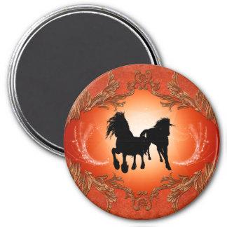 Tatuajes negros hermosos del caballo imán redondo 7 cm
