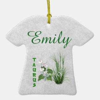 Tauro del bambú y del lirio adorno de cerámica en forma de camiseta