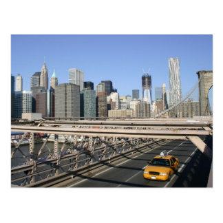 Taxi en el puente de Brooklyn Nueva York Tarjetas Postales