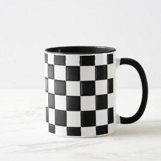Taza a cuadros blanco y negro