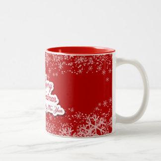 Taza agradable diseñada del navidad