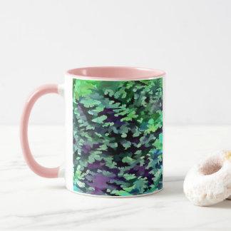 Taza Arte pop abstracto del follaje en verde y púrpura