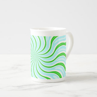 Taza azul clara y verde de la porcelana de hueso