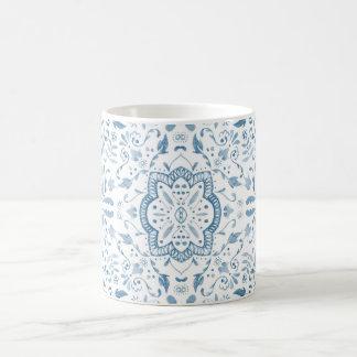 Taza azul del modelo de la teja del vintage