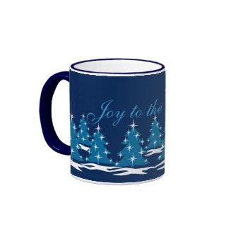 Taza azul festiva del navidad de la taza de café