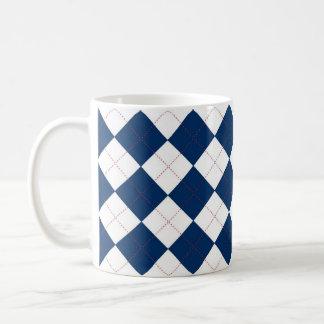 Taza azul y blanca de Argyle