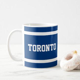 Taza azul y blanca de Toronto