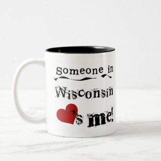 Taza Bicolor Alguien en Wisconsin me ama