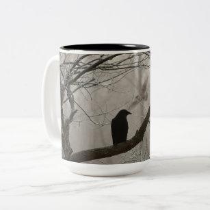 Taza Bicolor Cuervo o cuervo melancólico del otoño invierno que