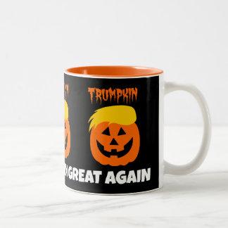 Taza Bicolor Donald Trumpkin hace Halloween grande otra vez