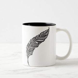 Taza Bicolor Ejemplo complejo nervioso y elegante de la pluma