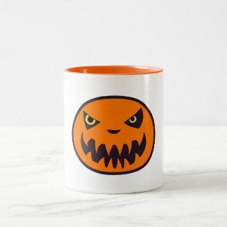 Taza Bicolor Levante el blanco de Halloween de la linterna con