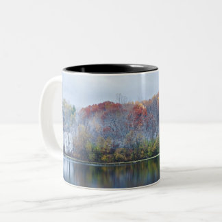 Taza Bicolor Mañana del otoño Nevado del parque de Marthaler