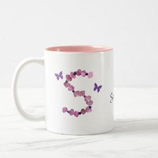 Taza Bicolor Monograma rosado femenino de la letra S de la gota