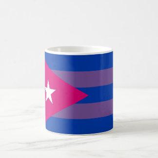 Taza bisexual del orgullo cubano LGBT del BI