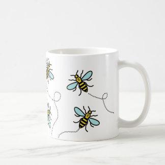 Taza blanca clásica de la abeja de trabajador de
