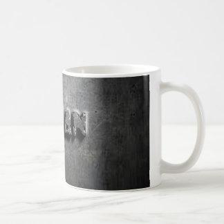 taza blanca de acero fresca