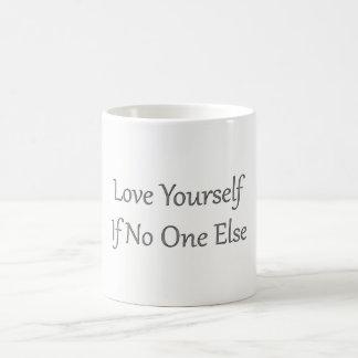 Taza blanca del amor usted mismo