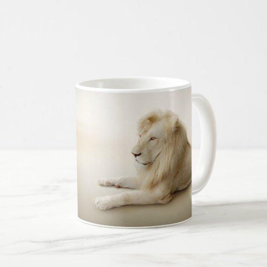 Taza blanca del león