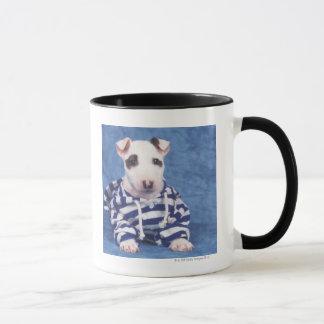 Taza Bull terrier es una raza del perro en