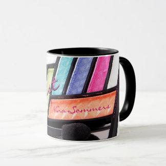 Taza Café colorido de la paleta del sombreador de ojos