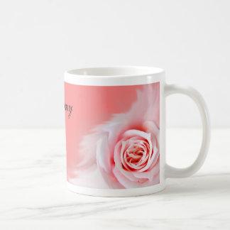 Taza color de rosa rosada del favor del boda…