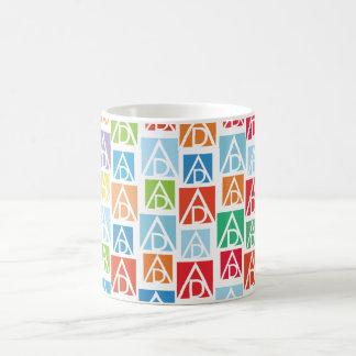 Taza colorida de ADAA