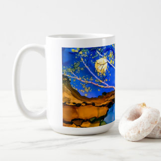 taza con paisaje del árbol de abedul