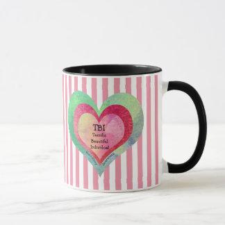 Taza Corazones rosados de las rayas TBI del monograma