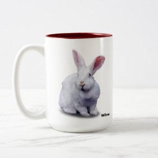 Taza de BunnyLuv que ofrece a Wilma