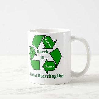 Taza De Café 18 de marzo, diseño de reciclaje global del día